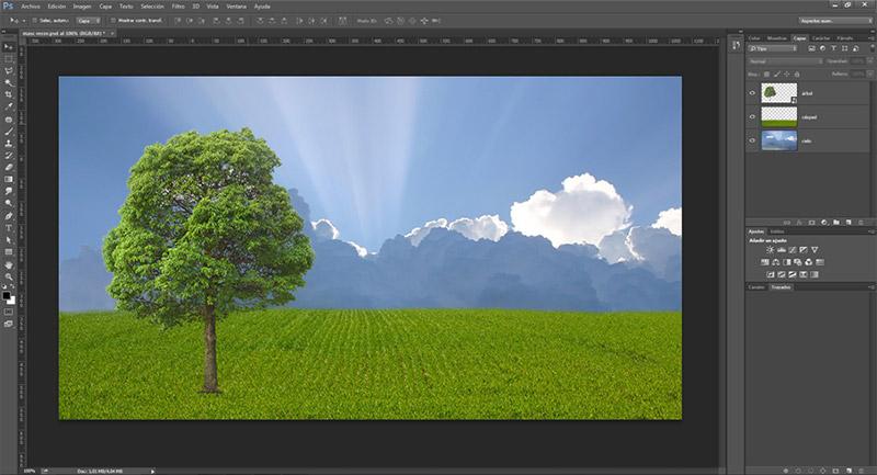 Aunque tengas capas separadas, photoshop muestra la previsualización de todas superpuestas